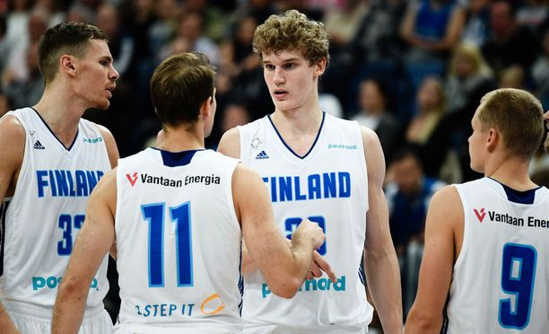Chicagon NBA-joukkueeseen sopimuksen tehnyt Lauri Markkanen pelaa ensimmäisissä aikuisten arvokisoissaan.