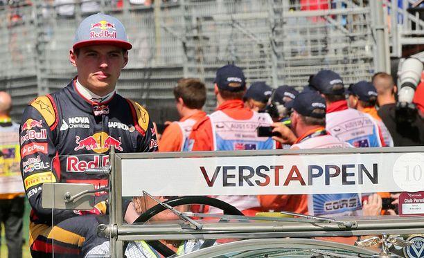 Max Verstappenista tuli sunnuntaina kaikkien aikojen nuorin F1-kuljettaja.