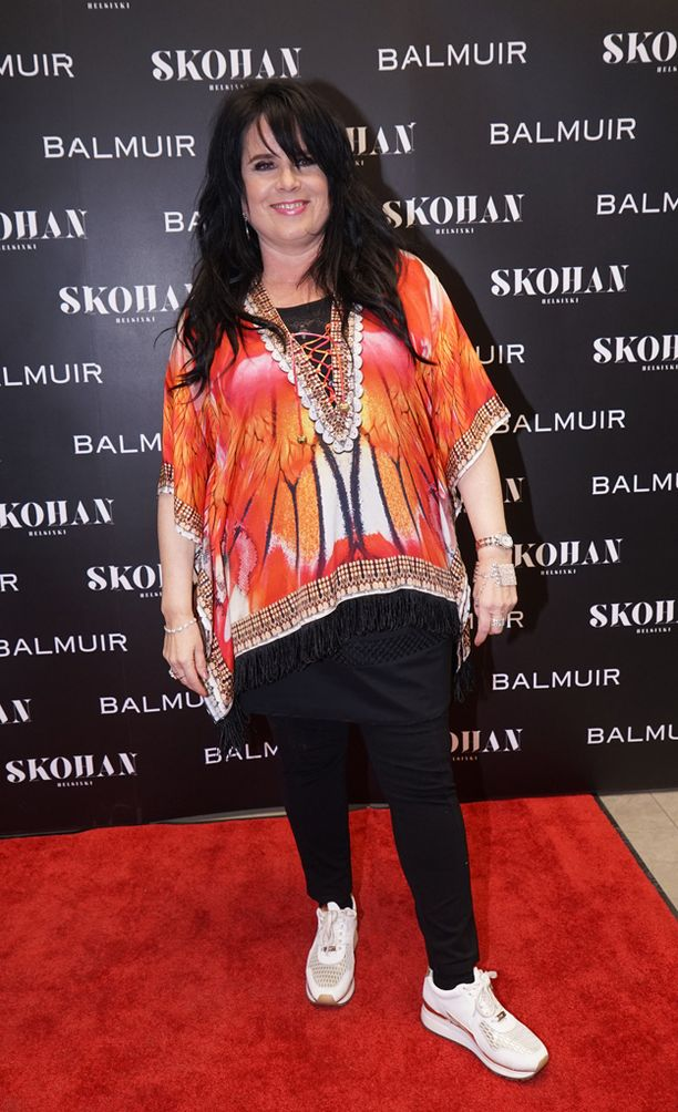 Cheekin kanssa duetoinut Kaija Koo kertoi suuntaavansa täysillä kohti kevään keikkoja.