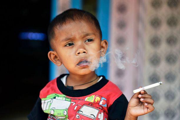 Rapi poltti aiemmin kaksi savukeaskia päivässä.