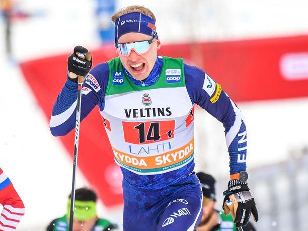 Iivo Niskanen hiihti Suomen ykkösjoukkueessa yhdessä Ristomatti Hakolan kanssa.