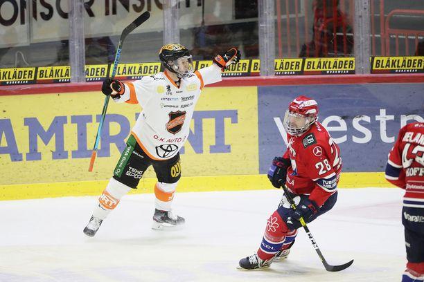 KooKoo altistui koronavirukselle ottelussa HIFK:ta vastaan 12. maaliskuuta. Kouvolalaisjoukkue selvisi ilman tartuntoja.