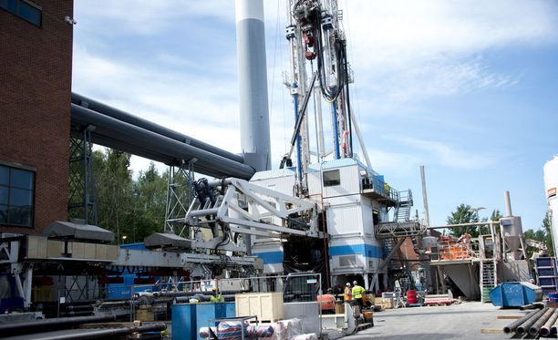 Suomen syvimpään reikään pumpataan vettä vielä noin viikon ajan Espoon Otaniemessä. Kuva on vuodelta 2016.