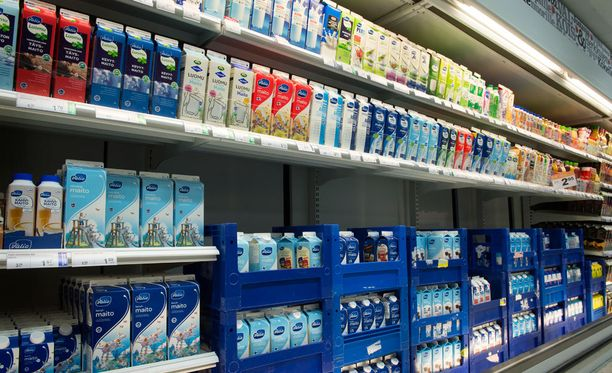 Kova kilpailu ja runsas tuonti ovat vetäneet maitotuotteiden hintoja.