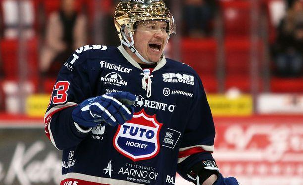Petteri Nummelin haluaa tutustua uuteen kiekkokulttuuriin.