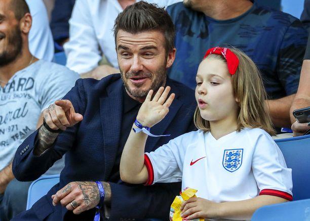 David ja Harper seurasivat viime kesänä Ranskassa yhdessä naisten jalkapallo-ottelua.