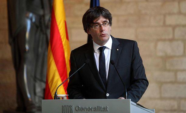 Aluejohtaja Carles Puigdemontei määrää vaaleja.