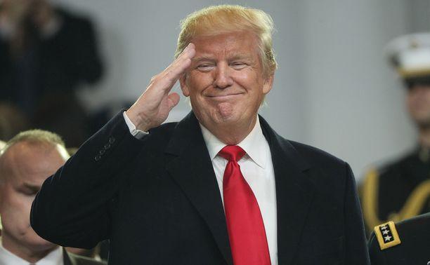 Donald Trump kerkisi jo kiittää twitterissä ehdokkuudestaan rauhanpalkinnon saajaksi.