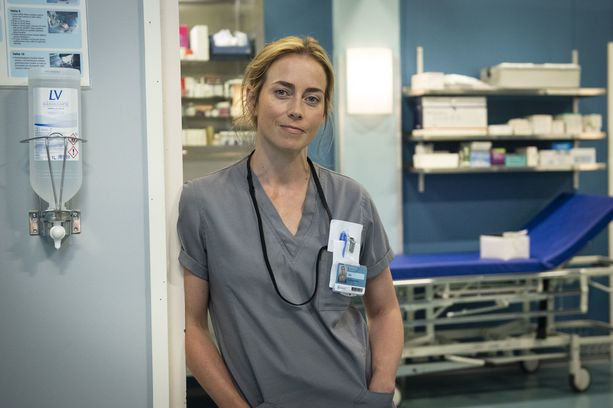 Iina Kuustonen uskoo, että erityisesti sairaalamaailmaan samaistuminen on syy Syke-sarjan suosioon. Jossain vaiheessa sairaala on läsnä jokaisen elämässä tavalla tai toisella.