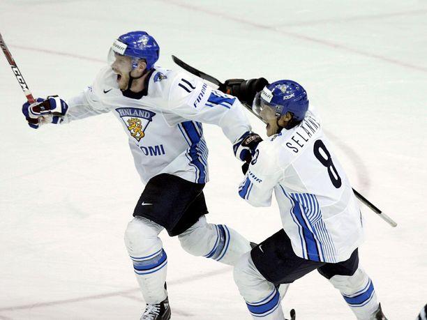 Saku Koivu ja Teemu Selänne olivat uransa huipulla Torinon olympialaisissa. Kuva vuodelta 2008.