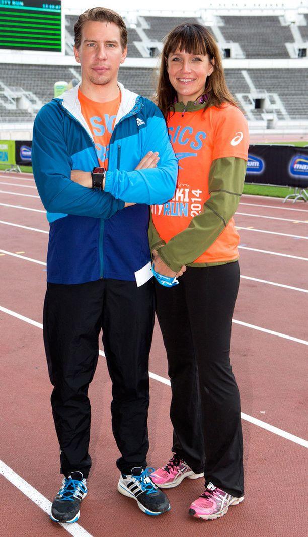 Aku Hirviniemi ja Niina Lahtinen osallistuivat toukokuussa juoksutapahtumaan.
