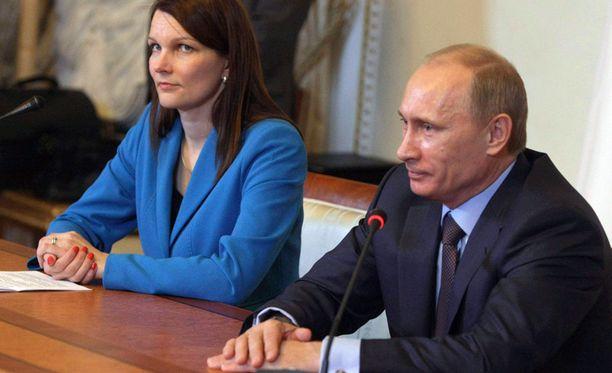 PÄÄMINISTERIT. Vladimir Putin piti tiedotustilaisuuden yhdessä Mari Kiviniemen kanssa.