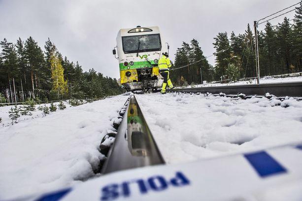 Raaseporin tasoristeysonnettomuus vaati neljän ihmisen hengen.