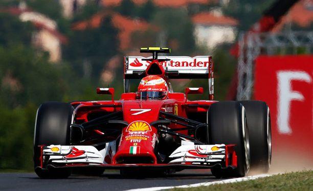 Kimi Räikkönen oli kuudenneksi nopein toisella harjoitusjaksolla.