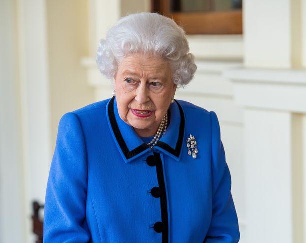 Kuningatar Elisabet innostui autoilusta toisen maailmansodan aikaan.