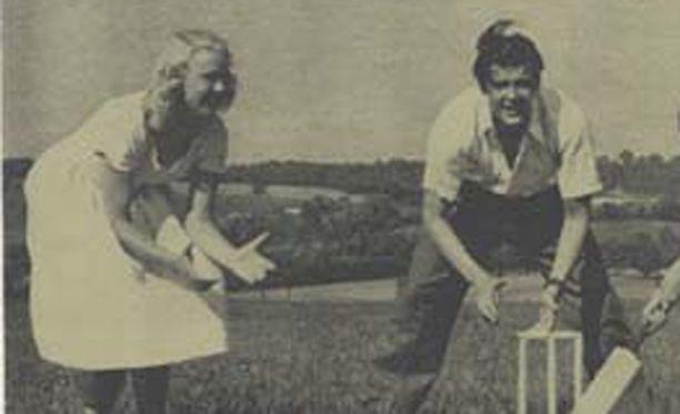 Roger Mooren ja ensimmäisen vaimon Doorn Van Steyn avioliitto päättyi vuonna 1953.