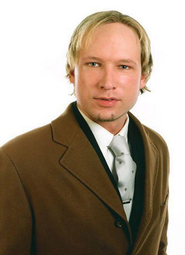 Asiantuntijat pitävät 32-vuotiasta Anders Behring Breivikia psykopaattina, mutta syyntakeisena.