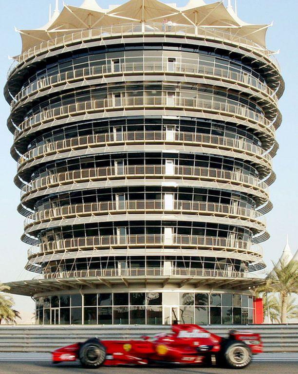 Kimi Räikkönen on testannut Ferrariaan viime päivät Bahrainin kuumuudessa.