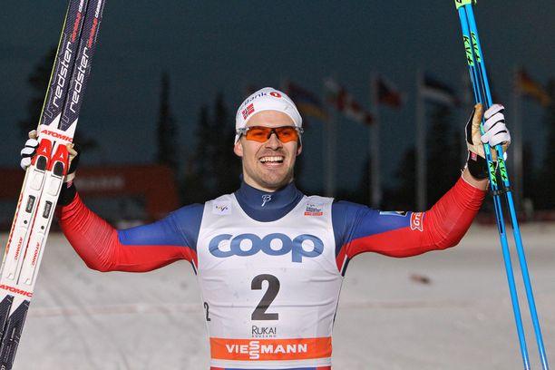 Sondre Turvoll Fossli tuuletti sprinttivoittoaan Rukalla vuonna 2015.
