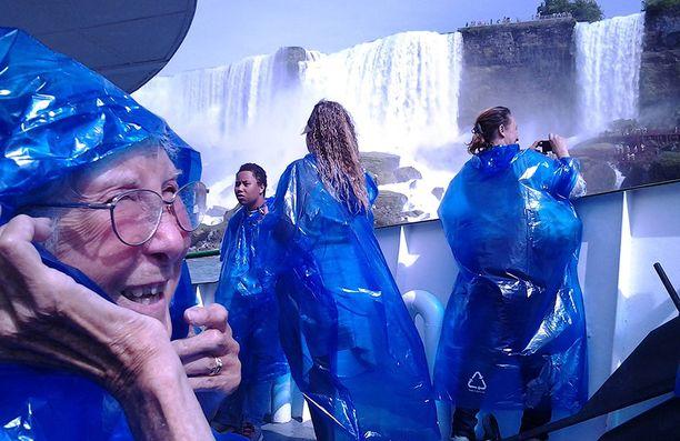 Niagaran putouksillakin Norma kerkisi käydä.
