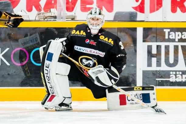 Joel Blomqvist pelaa torstaina Kärppien maalilla.