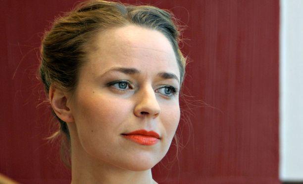 Vuonna 2011 Paula Vesala teki Pekka Kuusiston kanssa Kiestinki-levyn. Vesala myös palkittiin Naisasialiiton Vuoden Lyyti -palkinnolla.
