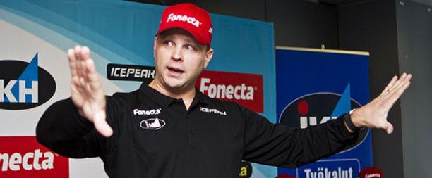 Pekka Niemelä aloittaa ensimmäisen kautensa mäkihyppymaajoukkueen päävalmentajana.