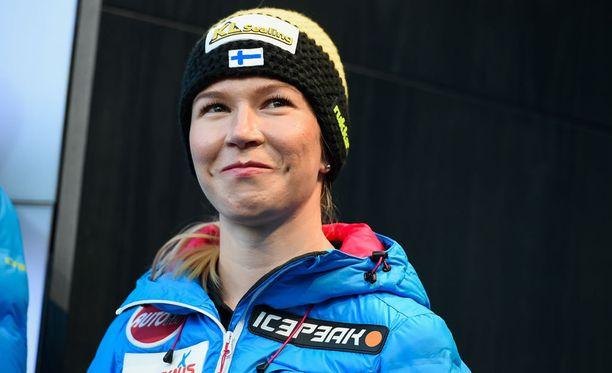 Julia Kykkäsen ja muiden hyppääjien maailmancup jatkuu huomenna.