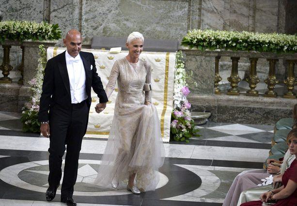 Aviomies Mikael Bolyos oli Marien mukana prinsessa Madeleinen ja Chris O'Neillin häissä.