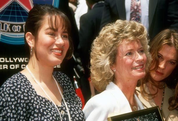 Shannon Lee saapumassa Bruce Leen Walk of fame -julkistamistilaisuuteen 1993. Vieressä Linda Lee Cadwell, Brucen leski.