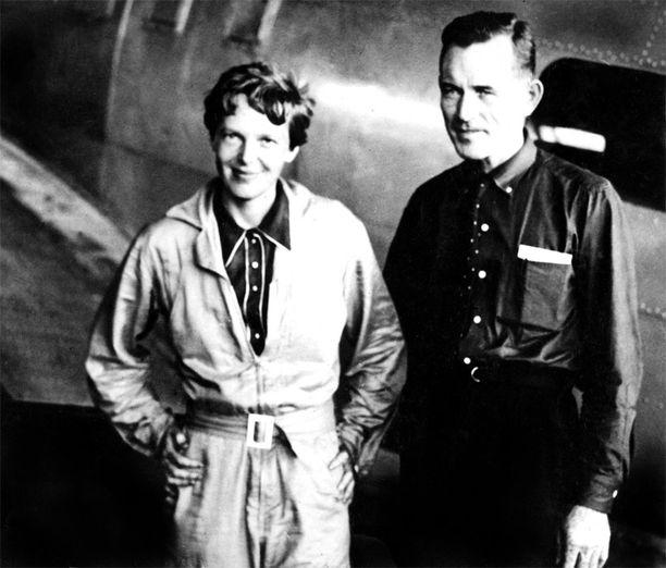 KATEISSA Lentäjä Amelia Earhart ja navigaattori Fred Noonan katosivat Tyynellämerellä heinäkuun 2. päivänä 1937.