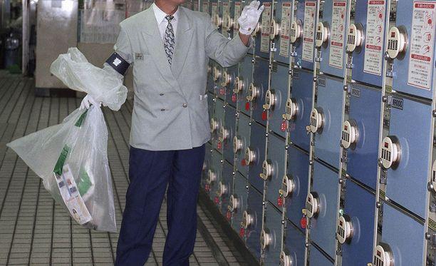 Vastasyntyneen ruumis pysyi piilossa vuosikausia. Arkistokuva Shinjukun asemalta Tokiosta.