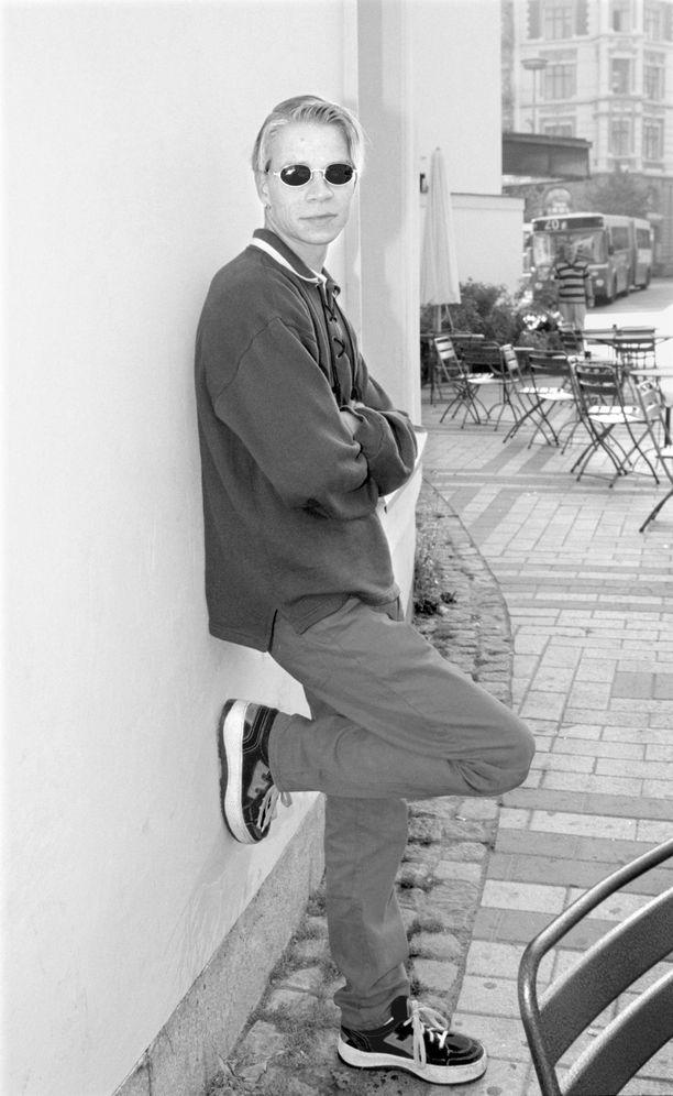 Pusan ensimmäinen soololevy Elva Steg julkaistiin vuonna 1998. Kuva vuodelta 1997.