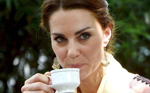 Herttuatar Catherine juhli syntymäpäiväänsä perin brittiläisesti: kuppi teetä
