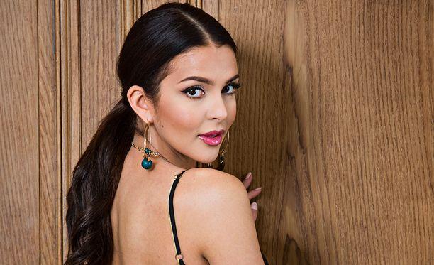 Sara Chafak on saanut varsin rikkaan ihailijan.
