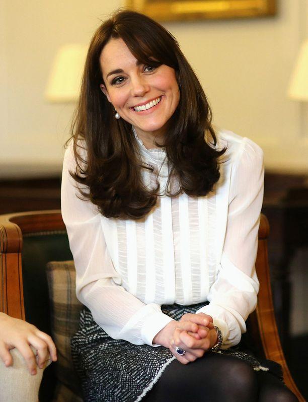 Herttuatar toimi keskiviikkona Huffington Post -lehden brittiversion toimitussihteerinä. Projektilla hän halusi saada huomiota lasten mielenterveysongelmille.