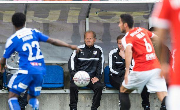 Antti Muurinen luotsasi IFK:n 0-0-tasapeliin HJK:n kanssa.