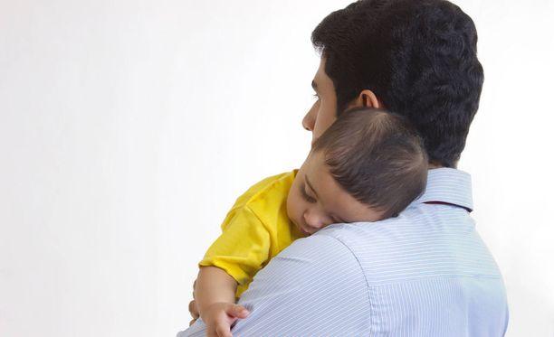 Isyyden tunnustamisen tekeminen äitiysneuvolassa on ollut vanhemmille mieluinen vaihtoehto.