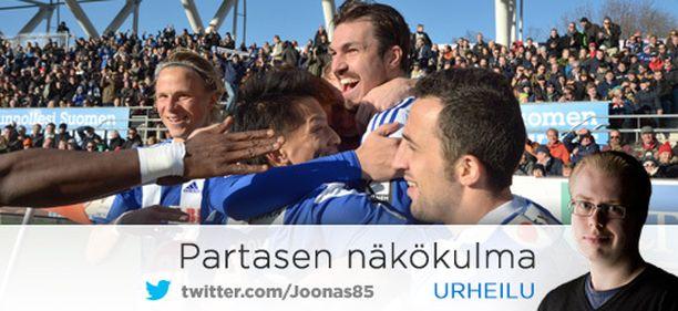HJK meni 1-0-johtoon Mike Havenaarin puskumaalilla. HIFK tuli tasoihin, ja peli päättyi 1-1.