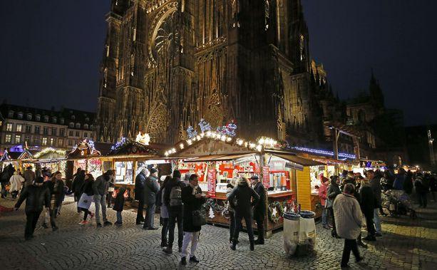 Viiden ihmisen elämä päättyi terrori-iskuun Strasbourgin joulumarkkinoille.