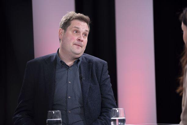 Jethro Rostedt paljasti Sensuroimaton Päivärinta -ohjelmassa elämänsä suurimmat sakot.