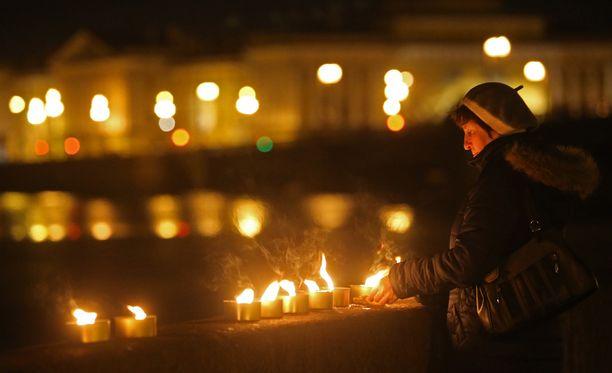 Kynttilät syttyivät ympäri maailman viikko sitten vietettynä Earth Hourina.