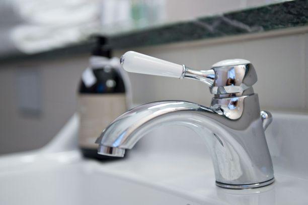 Veden kulutusta mitataan tulevaisuudessa entistä useammin huoneistokohtaisilla mittareilla.