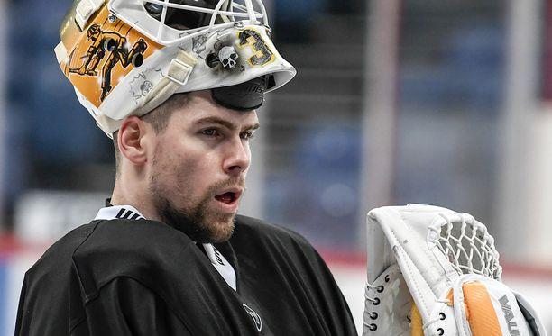 Joni Ortio torjuu jatkossa KHL-kiekkoja.