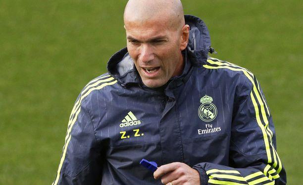 Zinédine Zidane on näreissään.