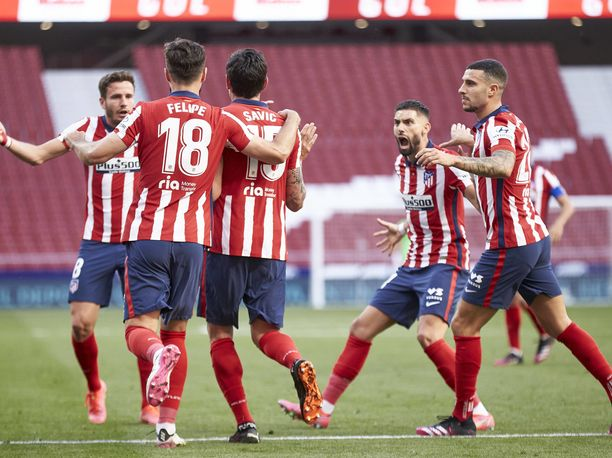 Atlético Madrid juhli kotikentällään elintärkeää 2–1-voittoa Osasunasta.