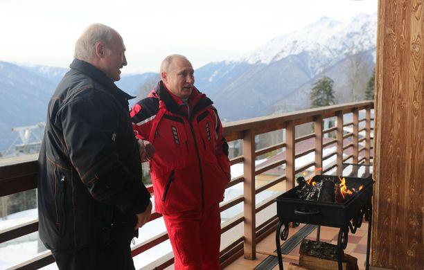 Valtiojohtajat tapasivat upeissa maisemissa.