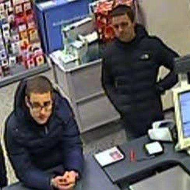 Poliisi kaipaa vihjeitä ja silminnäkijähavaintoja näistä miehistä.