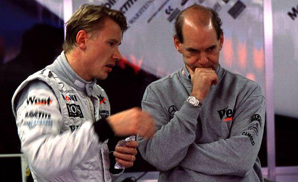 Mika Häkkinen ja Adrian Newey tekivät yhteistyötä McLarenilla vuosina 1997-2001.