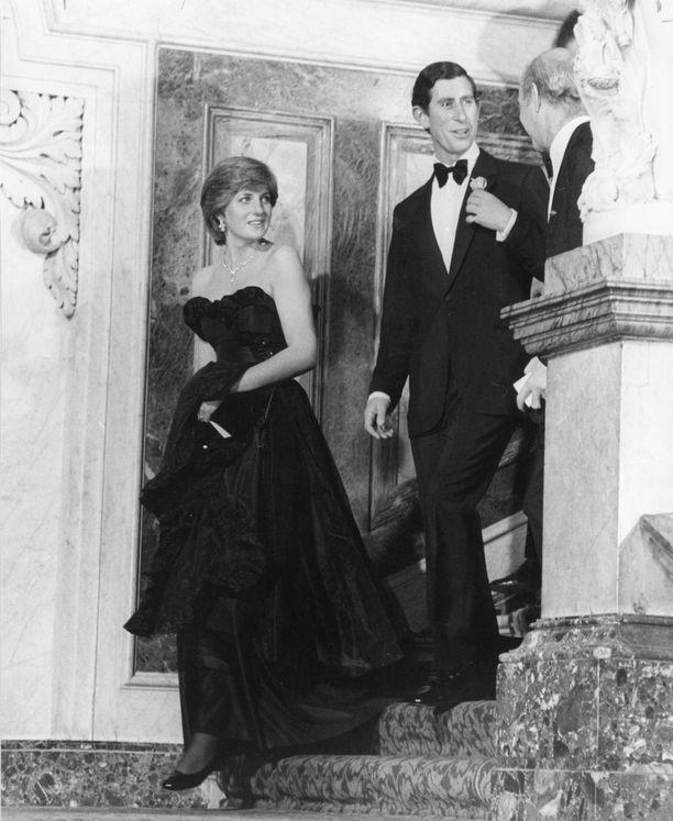 Maaliskuussa 1981 tuore kihlapari edusti jo yhdessä.